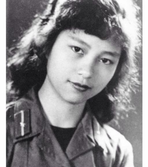 The actress in Truong Son in the old days