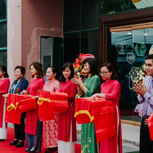 """Forever Passionate"" – an exhibition honoring Vietnamese female scientists"