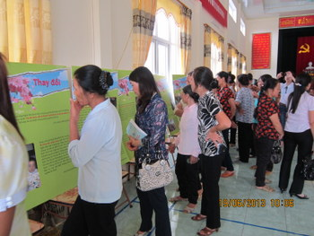 "The exhibition: ""Smiling Tears"" in Ha Nam Province"
