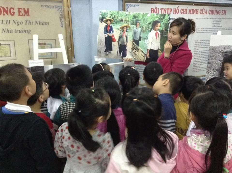 "Mobile exhibition ""Children in the war"" continues to promote educational effect"