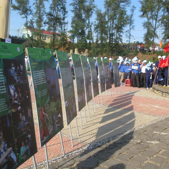 "Exhibition ""I Live Green"" taken to Quang Tri Province"