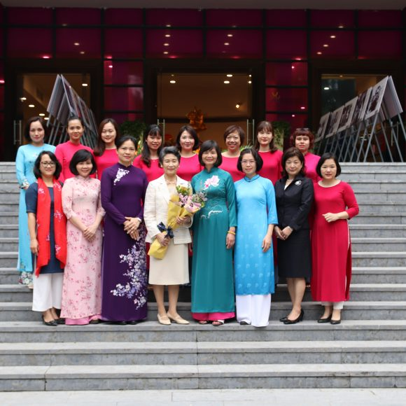 """I have a lot of admiration for the skillful and hard-working Vietnamese women"""